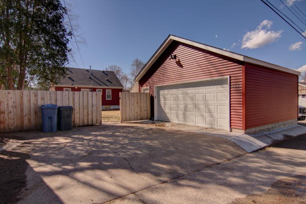5845-Upton-Ave-S-31