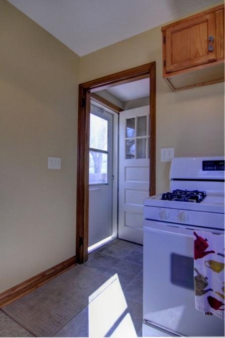 5845-Upton-Ave-S-8a