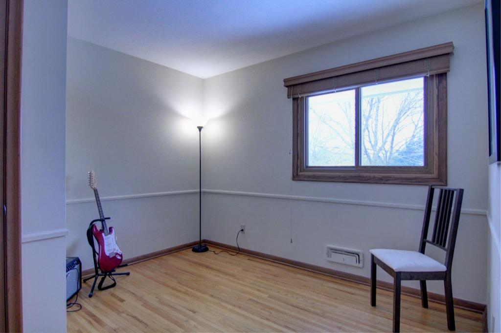 6132 Ewing Ave S-055