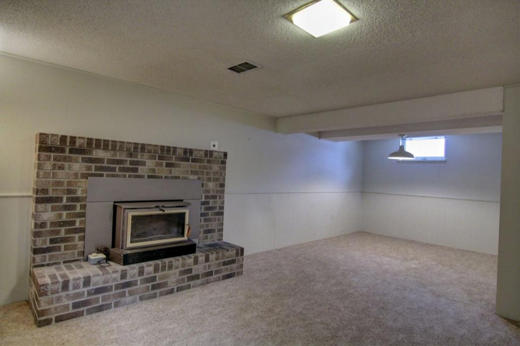 6132 Ewing Ave S-079